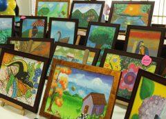 Niño de 11 años logra tener una exposición en la casa del artista